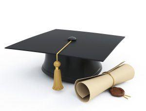 diploma com chapéu de formatura